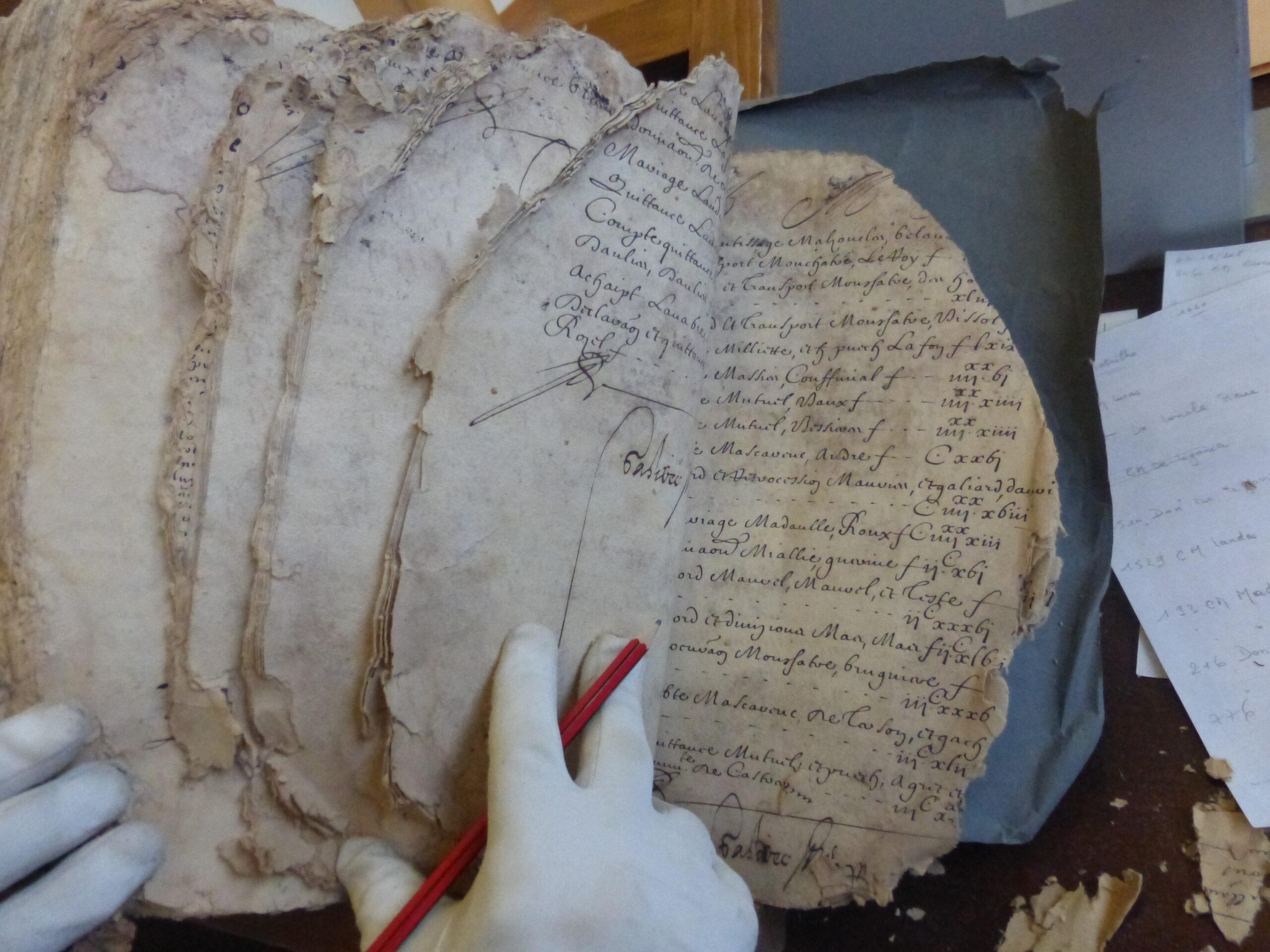 Photo Déchiffrage d'actes du 16° siècle